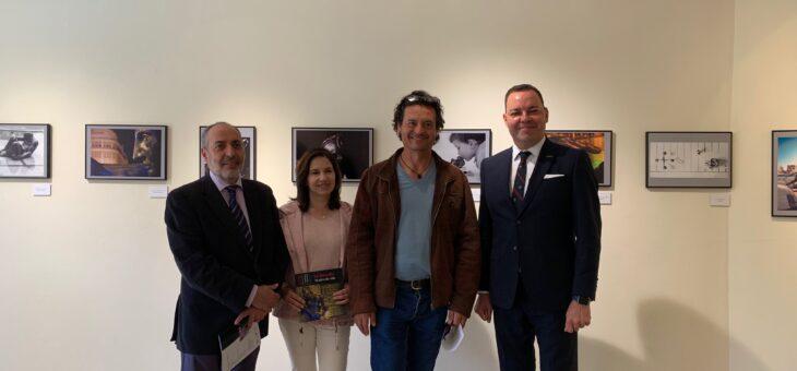 """FUNDOS ,Renfe y Focus inauguran la exposición """"La Negrilla, 10 años de vida"""" en el Museo Gaudí Casa Botines"""